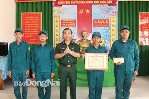 Bộ CHQS tỉnh khen thưởng đột xuất dân quân bắt cướp