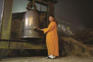 Giao thừa trên đỉnh chùa Yên Tử: Hơi thở của đất trời, vạn vật