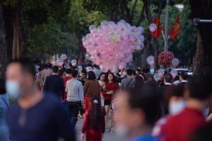 Tết Tân Sửu 2021: Không khí chiều mùng 1 tại Hà Nội