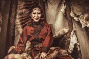 Vị 'Hoàng hậu' huyền thoại trong lịch sử Mông Cổ: Chấp nhận tái giá với chồng nhỏ hơn 7 tuổi vì hòa bình dân tộc, sinh ra 4 cặp sinh đôi