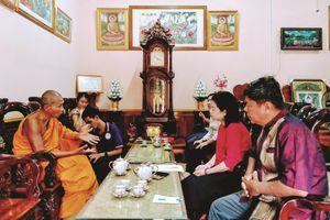 Người nặng lòng với văn hóa dân tộc thiểu số Khmer