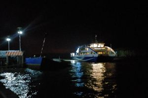 Bến phà biển Cần Giờ - Vũng Tàu bị sự cố lật nghiêng 45 độ
