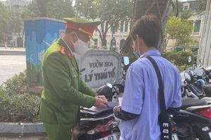 Quận Hoàn Kiếm: Phạt 15 triệu đồng đối với 5 bãi giữ xe trái phép