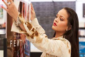 Rihanna và LVMH đóng cửa dòng thời trang Fenty
