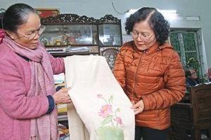 Chuyện nghệ nhân 'chân đất' bán hàng cho Thủ tướng