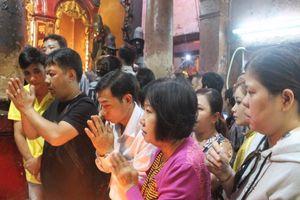 Vì sao chùa Ngọc Hoàng được nhiều người chọn làm nơi cầu con cái đầu năm?