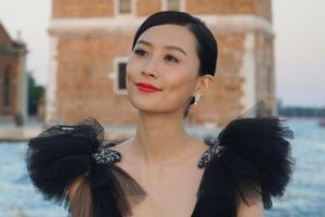 Người đẹp Trần Pháp Lai sinh con đầu lòng