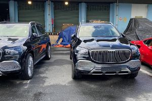 Cặp đôi Mercedes-Maybach GLS 600 hơn 32 tỷ về Việt Nam 'ăn Tết'
