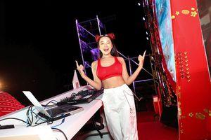 Ngắm DJ ăn mặc cực gắt, tự xưng 'hiền nhất Đông Nam Bộ'