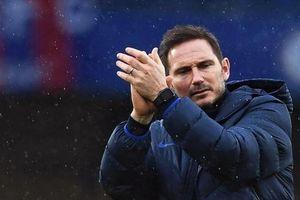 Chelsea vẫn 'mệt mỏi' trả lương cho Lampard
