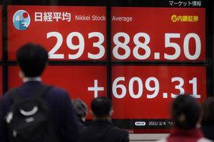 Chứng khoán châu Á lập kỷ lục mới, giá trị Bitcoin giảm 5,6%