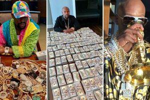 Cuộc sống đế vương, thích khoe tiền của tay đấm bốc siêu giàu