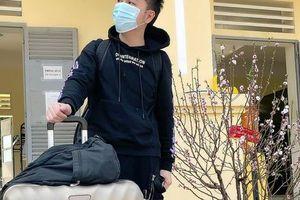 Ca sĩ Minh Vương M4U trở về nhà đón Tết muộn sau 3 lần âm tính