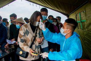 Người dân hối hả trở lại Quảng Ninh sau kỳ nghỉ Tết