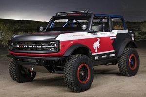 Ngắm chiếc SUV địa hình Ford Bronco 4600 'siêu hầm hố'