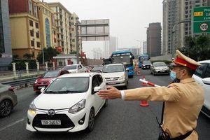 Phân luồng, giải quyết ùn tắc từ cửa ngõ Thủ đô đón người dân trở lại sau Tết
