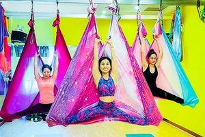 Độc đáo yoga bay