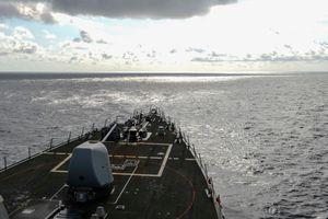 Tàu khu trục Mỹ tuần tra ở Trường Sa