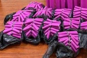 Hà Nội: Mang 14 bánh pháo nổ giao cho khách, đối tượng bị bắt quả tang