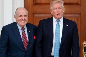 Thoát án ở Thượng viện, ông Trump vẫn chưa thể yên thân