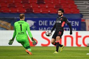 Liên tiếp được nhận quà, Liverpool dễ dàng đánh bại Leipzig