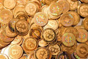 Lần đầu tiên trong lịch sử, giá Bitcoin vượt ngưỡng 50.000 USD