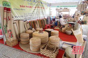 Quan tâm phát triển các nghề và làng nghề tiểu thủ công nghiệp