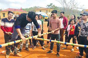 Độc đáo phong tục đầu năm mới của người dân tộc thiểu số ở Yên Bái