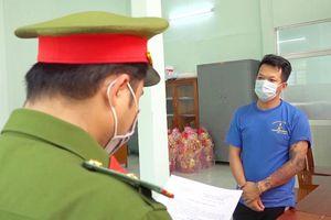 Khởi tố, bắt tạm giam đối tượng đánh cán bộ công an