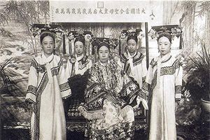 Top 5 người phụ nữ xinh đẹp nắm quyền lực lớn nhất trong lịch sử nhân loại