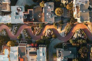 Ngắm 4 con đường kỳ lạ bậc nhất thế giới