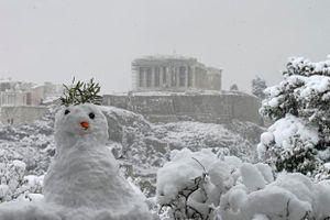 Tuyết rơi dày bất thường ở Địa Trung Hải