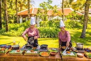 Chuyên nghiệp hóa đầu bếp - nâng tầm món ăn Việt