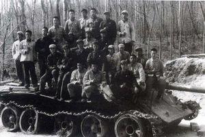 Cục sắt 40 tấn khiến Nga - Trung suýt nổ ra chiến tranh hạt nhân