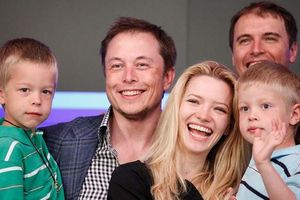 Elon Musk: 'Nên học trực tuyến, giáo dục cần hấp dẫn như trò chơi điện tử'