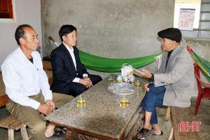 81 tuổi vẫn là người truyền cảm hứng xây dựng nông thôn mới ở xã biển Hà Tĩnh