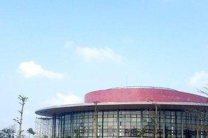 Nhà hát trăm tỷ vừa sử dụng đã hư hỏng ở Huế: Đơn vị thi công nói gì?