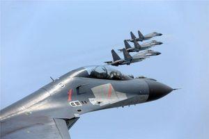 8 tiêm kích và 1 máy bay tác chiến điện tử Trung Quốc cùng áp sát Đài Loan