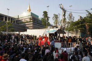 Dân Thái phản đối Thủ tướng vượt qua bỏ phiếu bất tín nhiệm