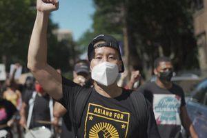 Người gốc Á ở Mỹ: 'Chúng tôi như con dê tế thần'
