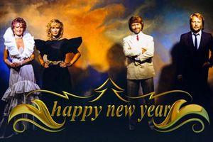 'Happy New Year', khúc ca của tuyệt vọng và hân hoan