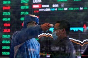 Covid-19 khiến núi nợ toàn cầu thêm chồng chất