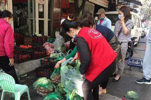 Hàng chục tấn nông sản Hải Dương được giải cứu trong phút chốc, có người mua nửa tạ về chia cho hàng xóm