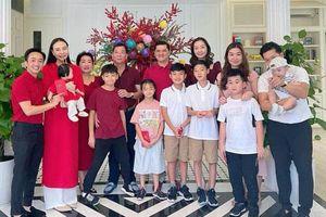 Đàm Thu Trang hiếm hoi xuất hiện chung khung ảnh bên mẹ chồng quyền lực