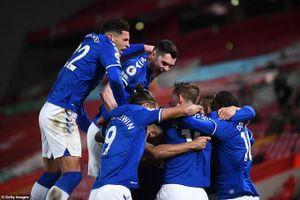 Liverpool 0-2 Everton: Thi đấu yếu kém, nhà vua 'ngã ngựa'