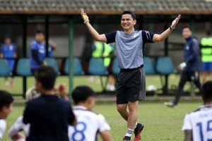 V-League dồn toa cho cúp châu Á và World Cup