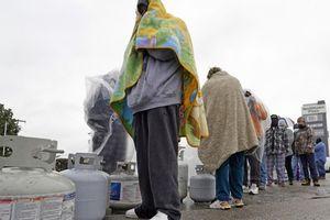 Sau thảm họa mất điện, dân Texas bàng hoàng vì hóa đơn tiền điện cao ngất