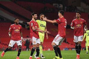 Ngôi sao M.U lập kỷ lục khó tin, xếp ngang Messi