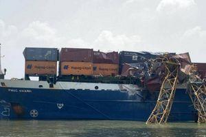 Truy nhanh nguồn gốc tàu container đâm gãy cẩu tháp trên sông Lòng Tàu