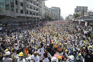 Chìm sâu trong bất ổn, giải pháp nào cho Myanmar?